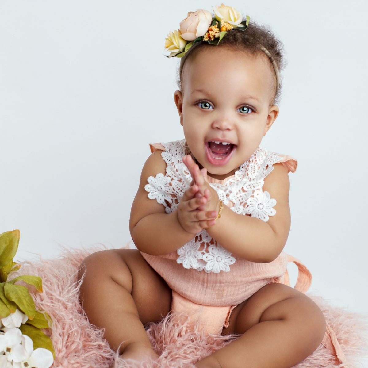WHEN SHOULD I SCHEDULE MY INFANT PHOTOGRAPHY SESSION?